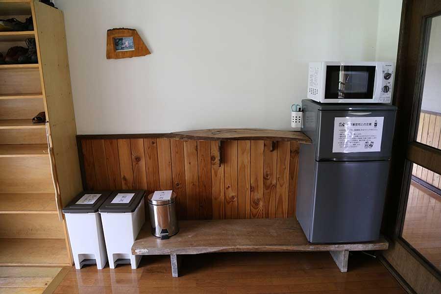 冷蔵庫や電子レンジがあるコーナー