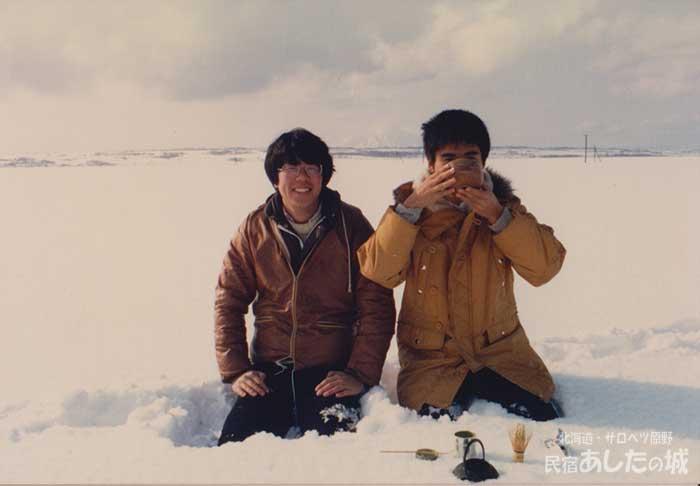 雪原でお茶をたてる