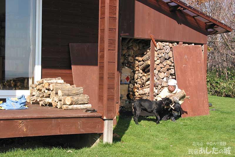 一冬分の薪は夏の間に用意する