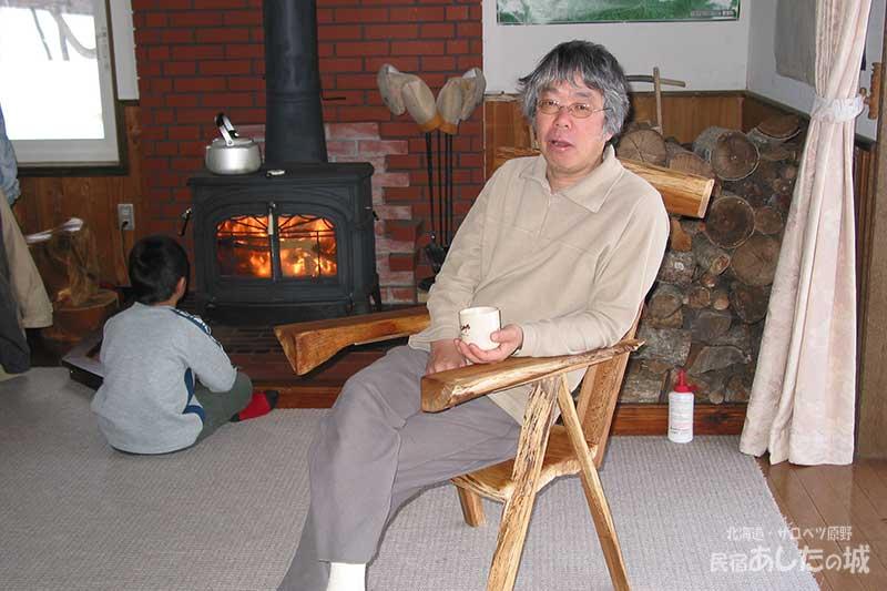 椅子に座ってお茶の時間