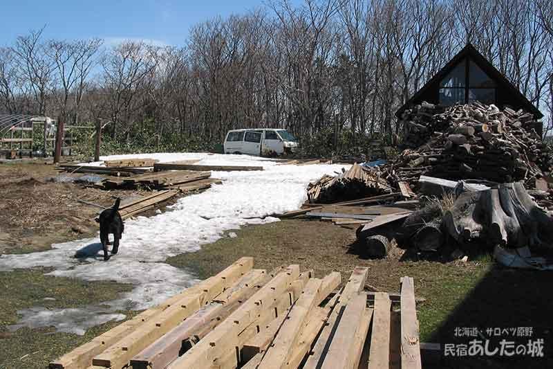 雪解けの頃の小屋予定地