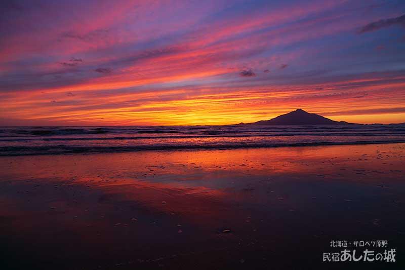 砂浜に映った夕焼け19年10月12日