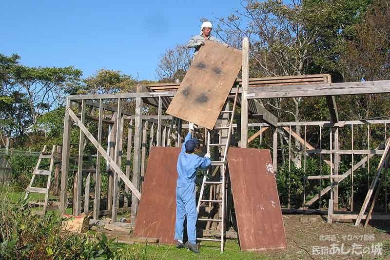 08足場作りと窓枠 | 廃材で作る物置小屋