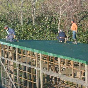 09トタン屋根をかける | 廃材で作る物置小屋