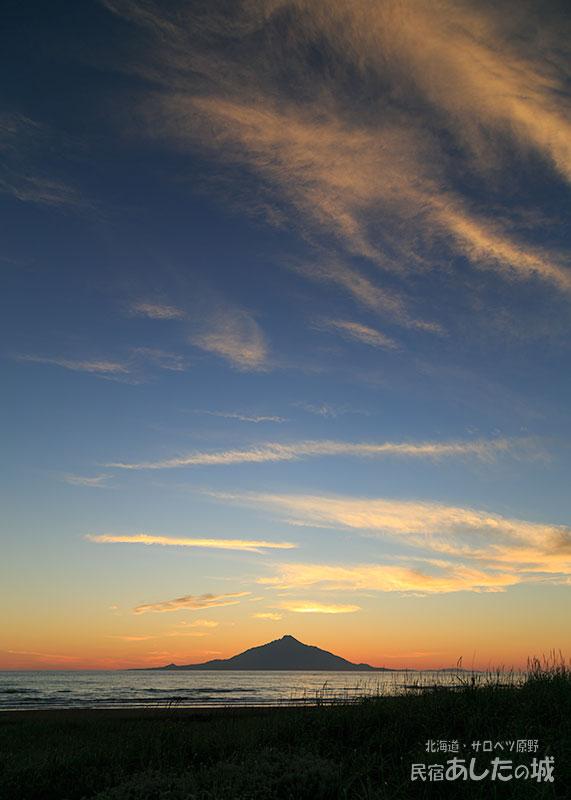 8月20日18時32分海岸から見た夕焼け