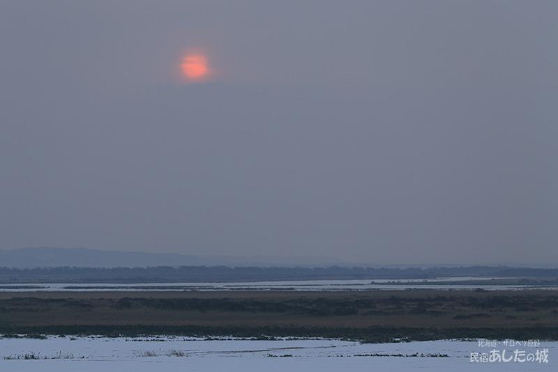 サロベツ原野に昇る太陽