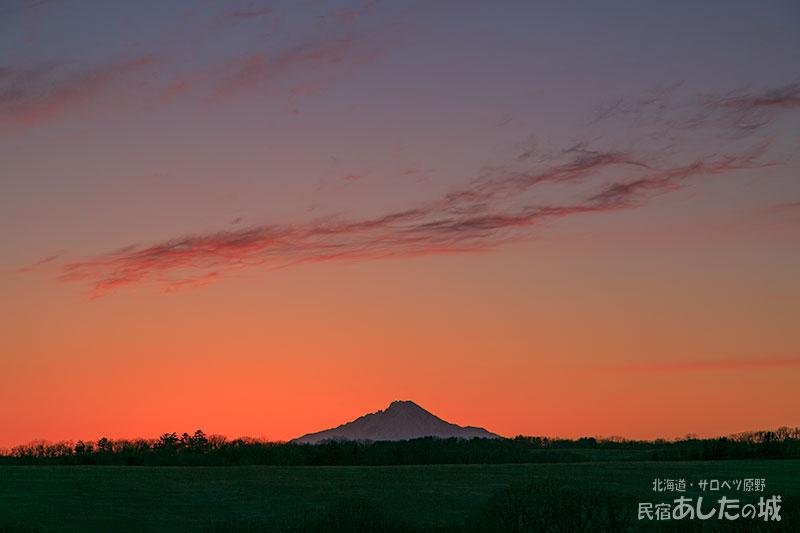 宿の窓から見た夕焼け(4月4日)
